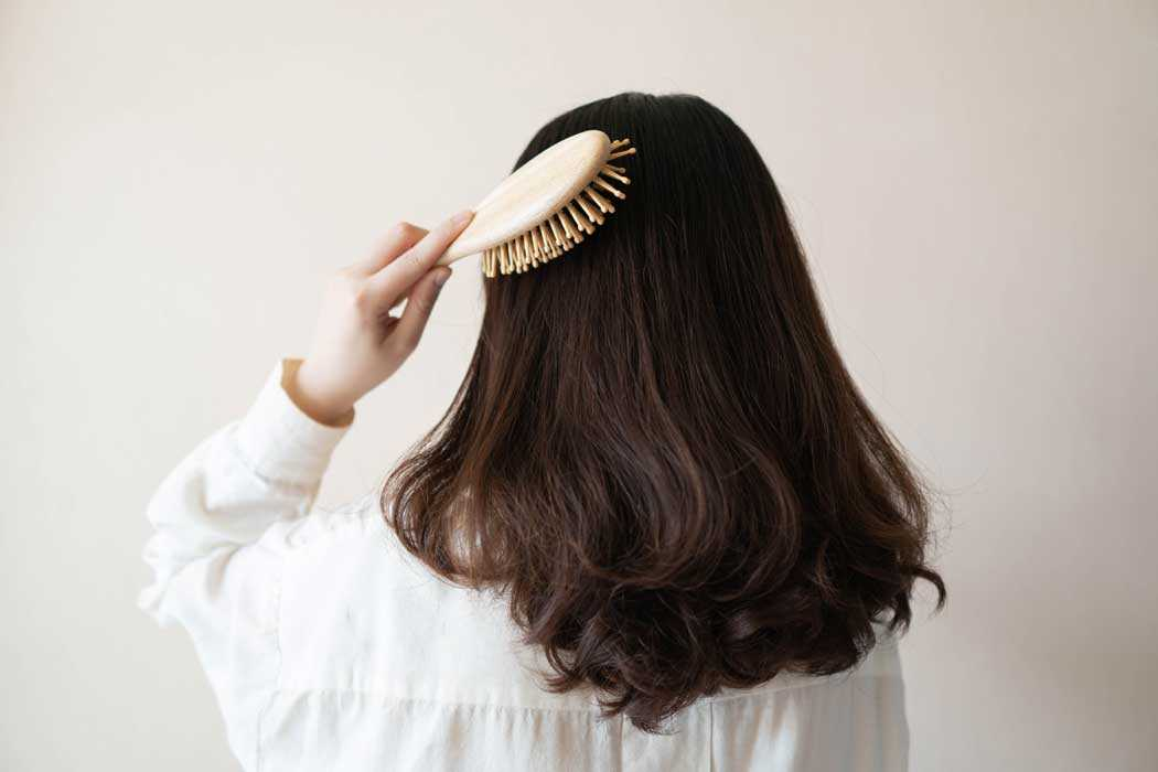 Know the art of combing your hair!