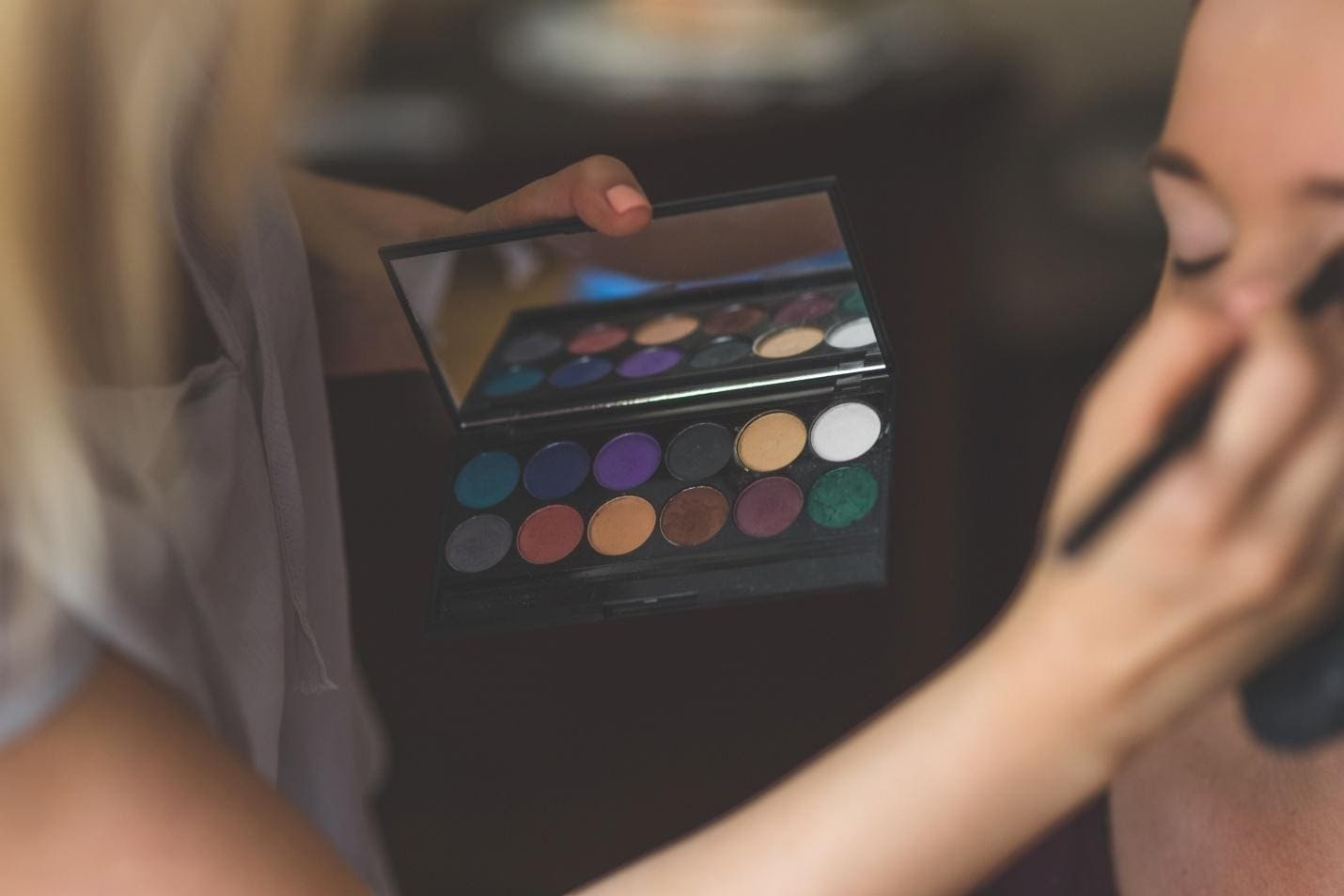 How to Shop for Ideal Eyeshadows